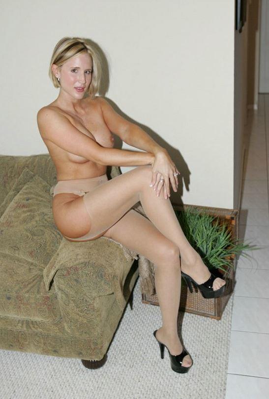 blondine nackt bild